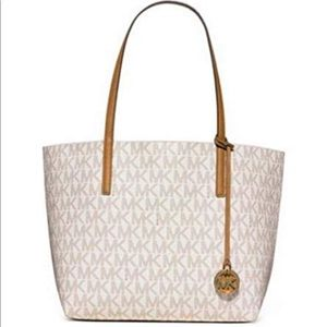 Micheal Kors Haley Large Tote